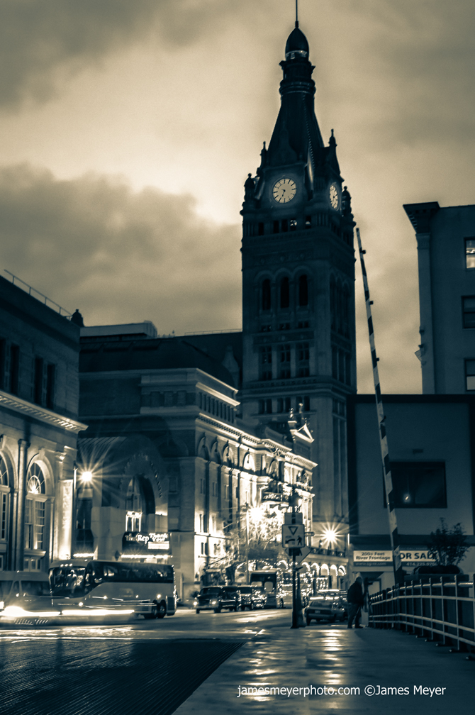City-Hall-B&W-1008H